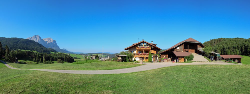 Enjoy an exciting farm holiday below the Alpe di Siusi!