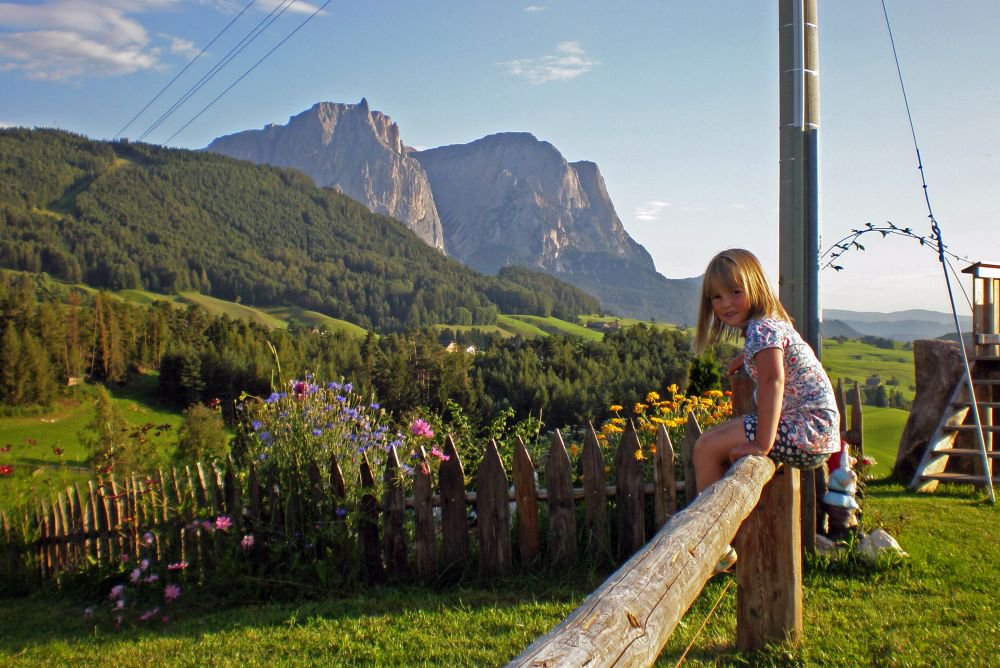 Are there special children's activities near the Alpe di Siusi?